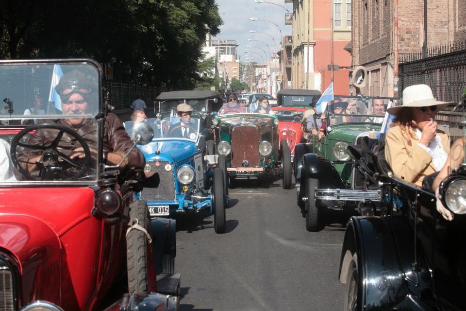 Desfile de Autos Antiguos